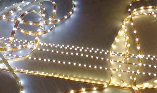 IP65_waterproof_3528_SMD_300_LED_strip